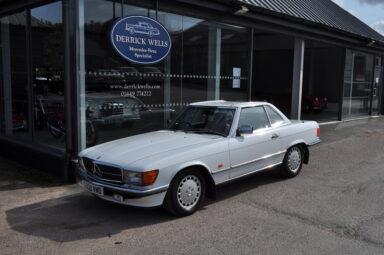 Mercedes-Benz R107 300SL 1989